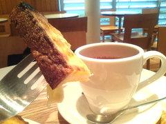 朝カフェ中。