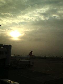 羽田空港にて。